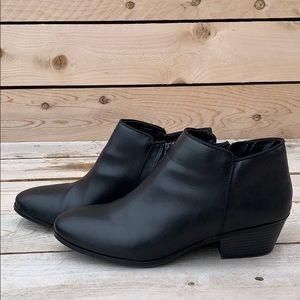 🆕 St John's Bay Black Booties